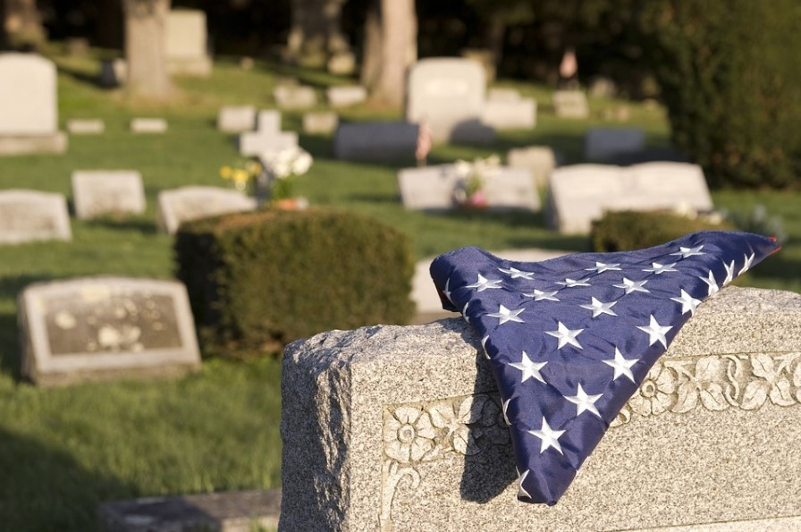 4 Tips to Select a Reputable Removal Service Company for Funeral Home